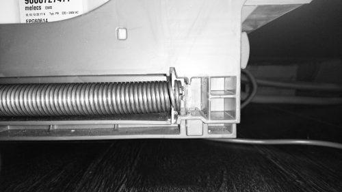 Sửa chữa cửa máy rửa chén bằng Bosch với sự trợ giúp của bộ sửa chữa