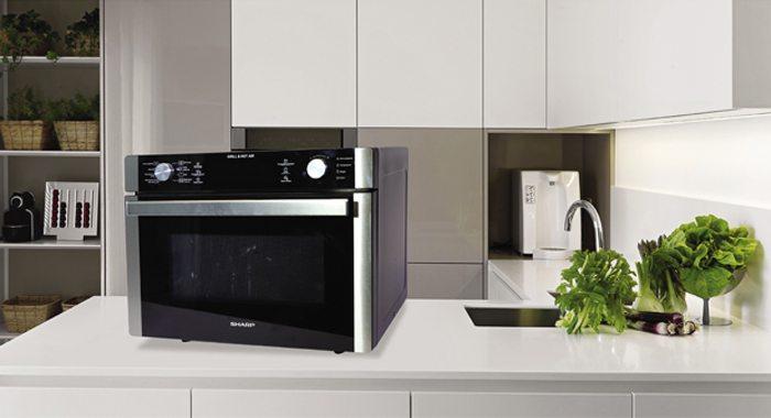 Đặt lò vi sóng trong tủ bếp và cách lắp đặt lò vi sóng âm tủ