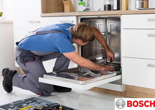 Nhờ thợ sửa chữa chuyên nghiệp để giải quyết những vấn đề khó xử lý của máy.
