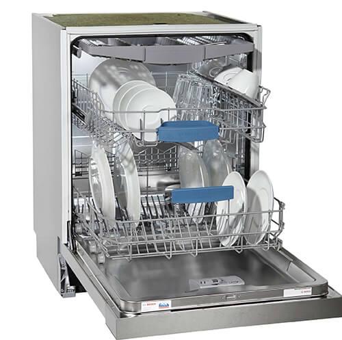 Khi máy rửa bát Bosch báo lỗi E11 khách hàng không nên tự sửa chữa mà hãy liên hệ với các trung tâm bảo hành uy tín