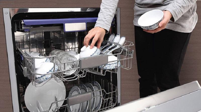 lỗi máy rửa bát không sạch